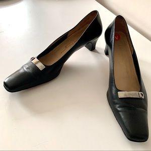 Salvatorre Feragamo black squaretoe pumps leather